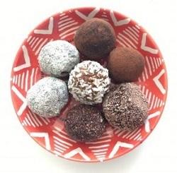 Vegan, Quick, Easy & Healthy Date and Almond Truffles & Chocolate, Cashew Truffles