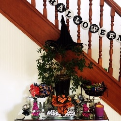 Halloween Decorating Ideas Make an Enterance